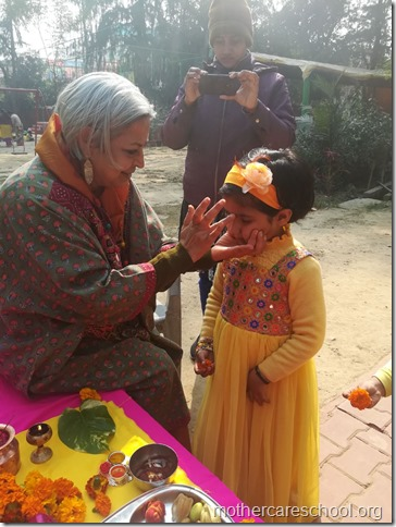 Basant Panchmi celebrations at Mothercare School Lucknow (11)