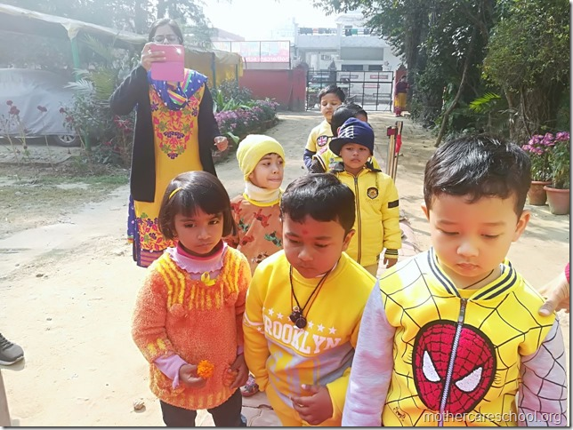 Basant Panchmi celebrations at Mothercare School Lucknow (4)