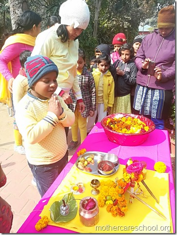 Basant Panchmi celebrations at Mothercare School Lucknow (8)