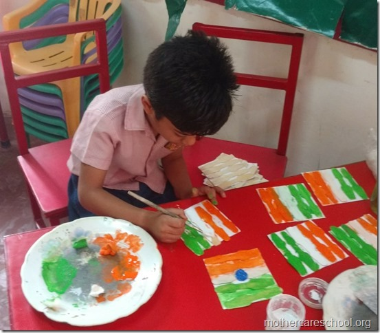 Children making national flag (4)