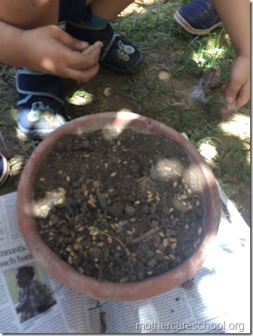 Earth Day Nursery kids learning to sow (2)