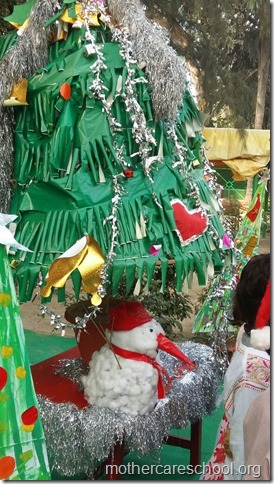 Handwork bonaza ofChristmas trees by the kids and teach (5)