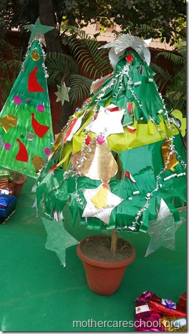 Handwork bonaza ofChristmas trees by the kids and teach (7)