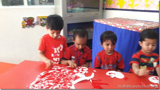 Handwork by the outgoing seniors of play group (3)