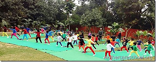 Kids doing Yoga at Mothercare Sportsfest (11)