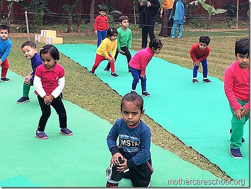 Kids doing Yoga at Mothercare Sportsfest (4)