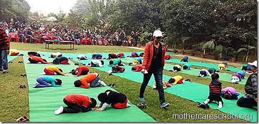 Kids doing Yoga at Mothercare Sportsfest (8)