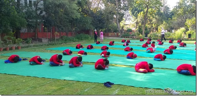 yoga lkg mag (12)